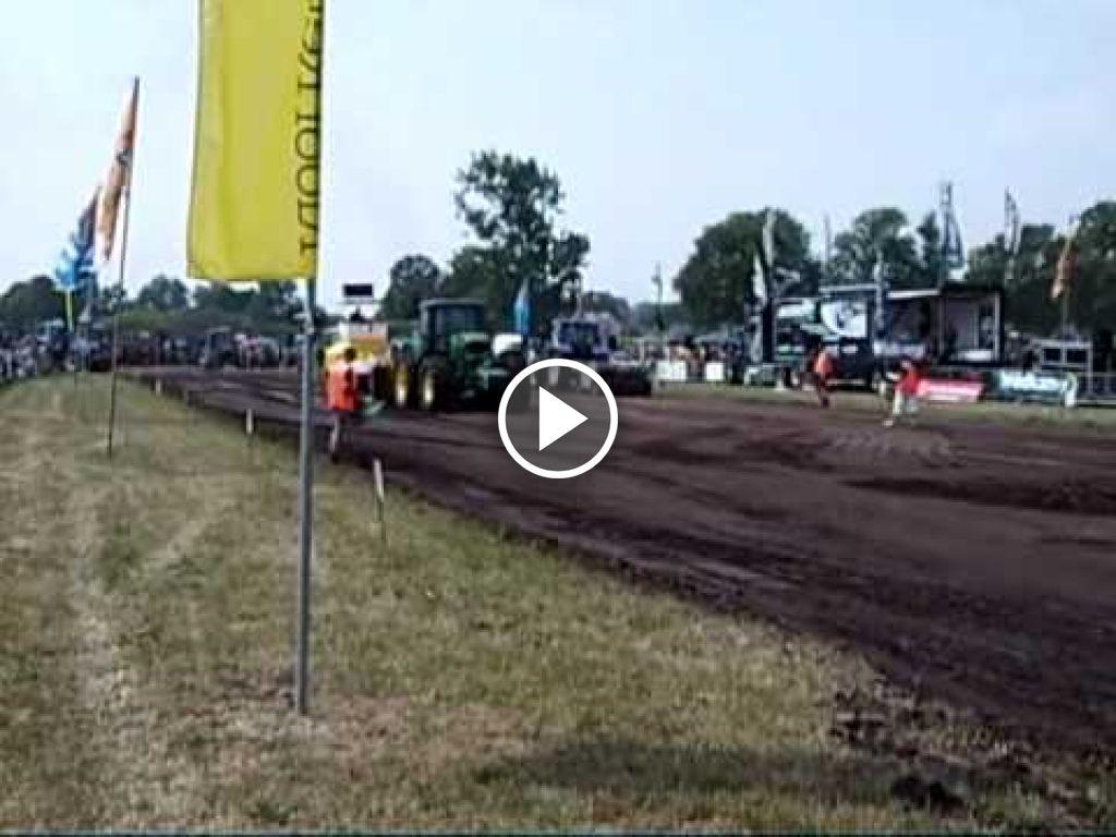 Wideo John Deere 7700