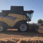 New Holland CR 7.90
