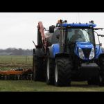 New Holland T 7030