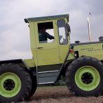 MB Trac 900