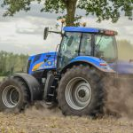 New Holland T 8020